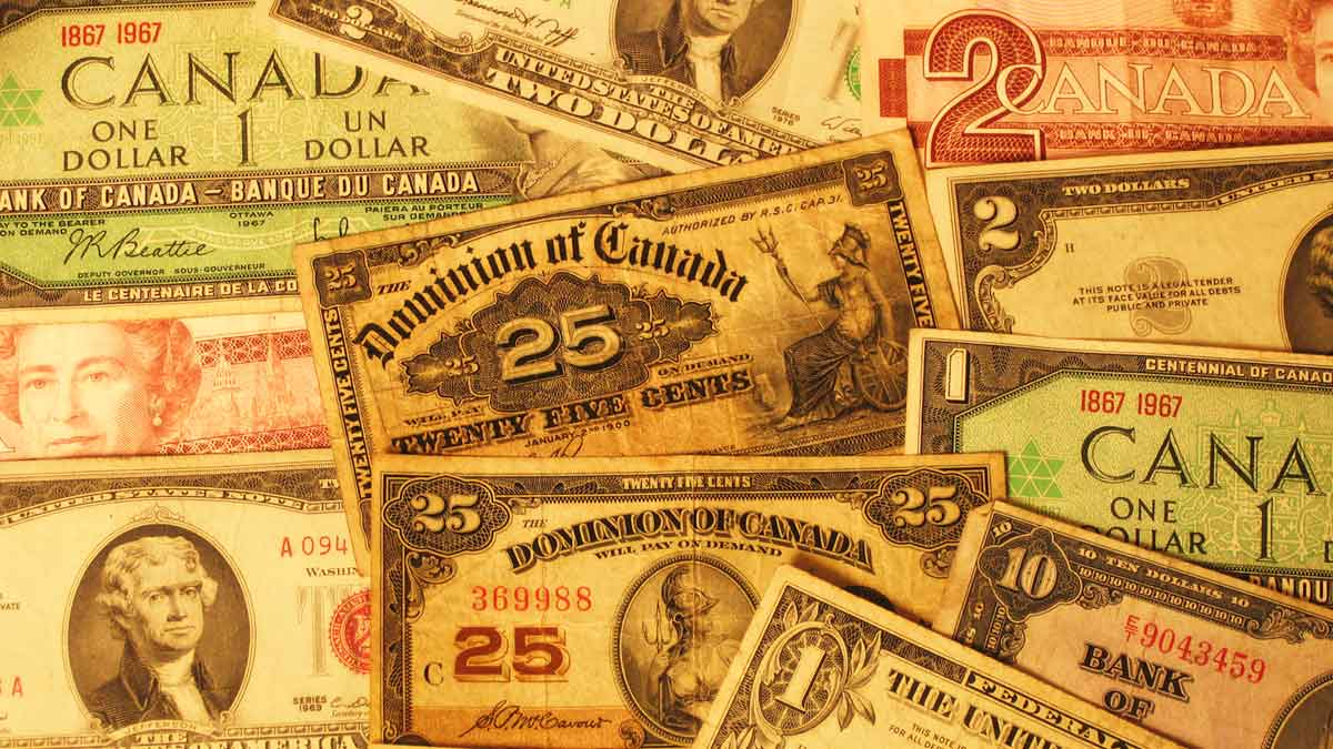 Many old Candian dollar bills