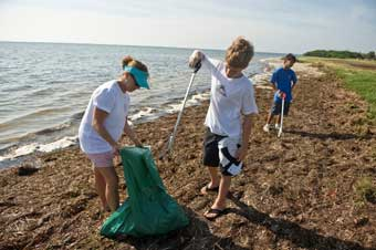 RJ Bauer and Others at Ft DeSoto Clean Up